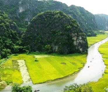 Tam Coc – Three Grottoes