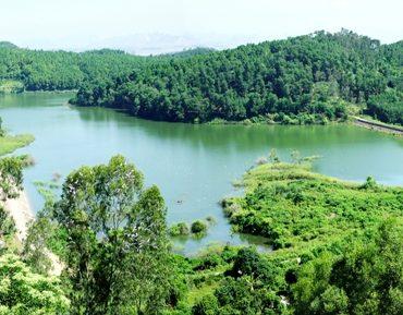 Dong Chuong Lake