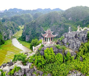 Mua Caves Viewpoint – Tam Coc – Bich Dong Pagoda Day Tour