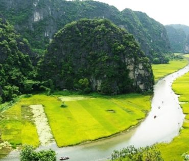 Hoa Lu Ancient Capital – Tam Coc Day Tour