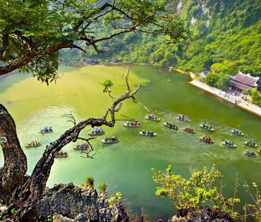 Hoa Lu Ancient Capital – Trang An EcoTourism Complex Day Tour